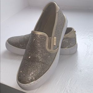 ✨ GUESS SPARKLES LOAFERS ✨